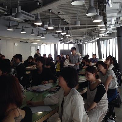 名古屋モード学園様の教室内イメージ写真